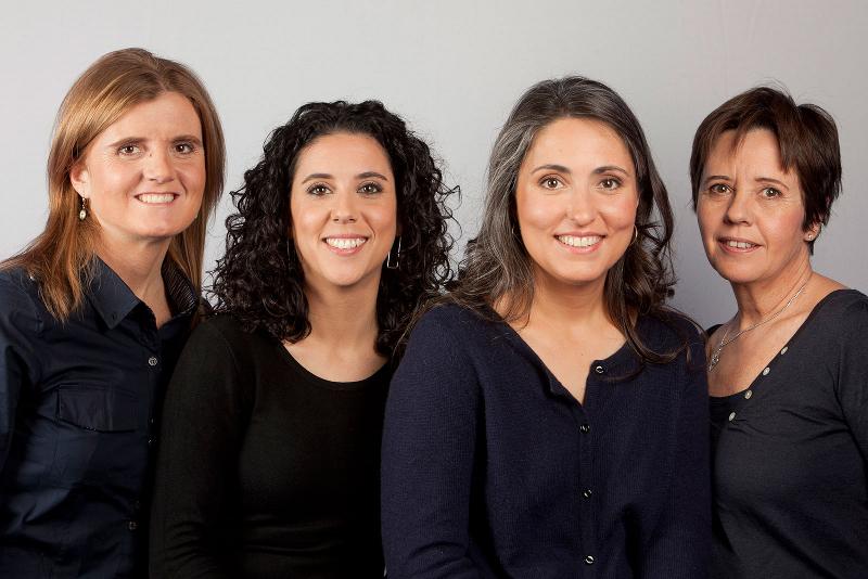 Foto de l'equip de Maneres de viure, de La Xarxa, amb el qual hem tingut el plaer de col·laborar aquest estiu.